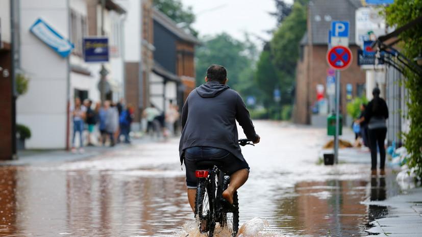 Число жертв наводнений на западе Германии превысило 100