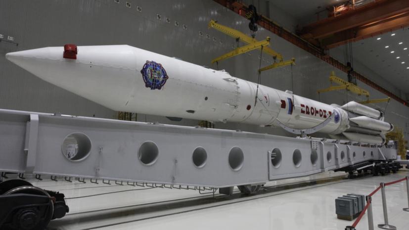На Байконуре начали транспортировку ракеты «Протон-М» на стартовый комплекс