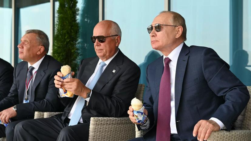 Борисов рассказал, как оплачивали мороженое на МАКС-2021