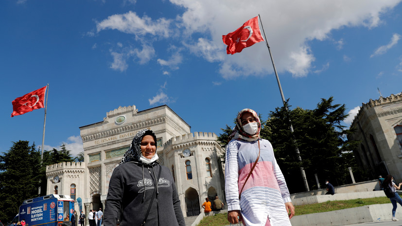 В Турции опровергли информацию о возможном закрытии границ из-за COVID-19