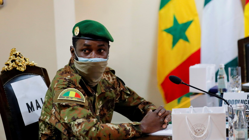 Захарова: Москва осуждает попытки покушения на временного президента Мали