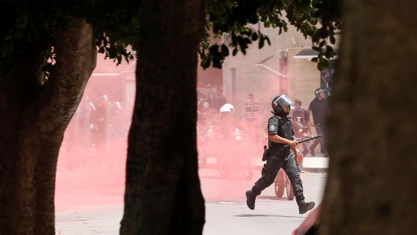 В ряде городов Туниса прошли акции протеста