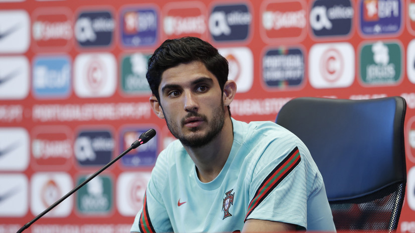 СМИ: Футболист «Валенсии» Гедеш отказывается переходить в «Зенит»