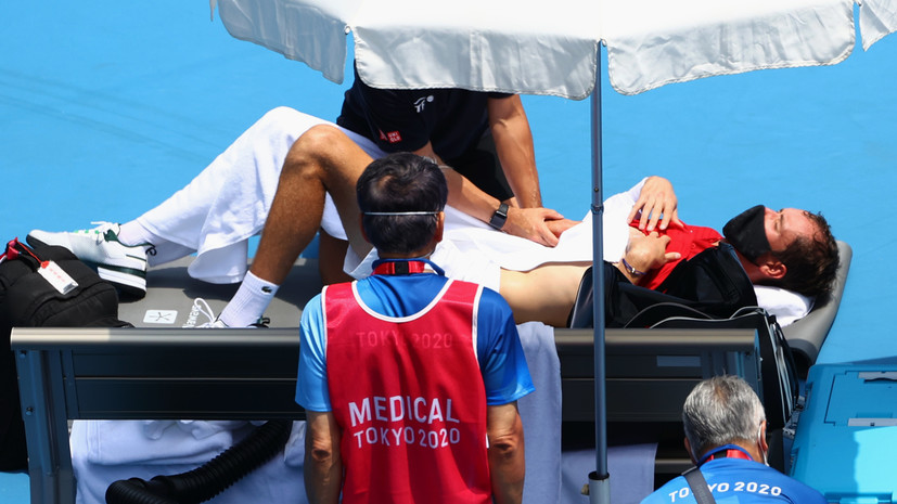 Токийская жара: Медведев и Хачанов выиграли в одиночке, Веснина — в паре и миксте