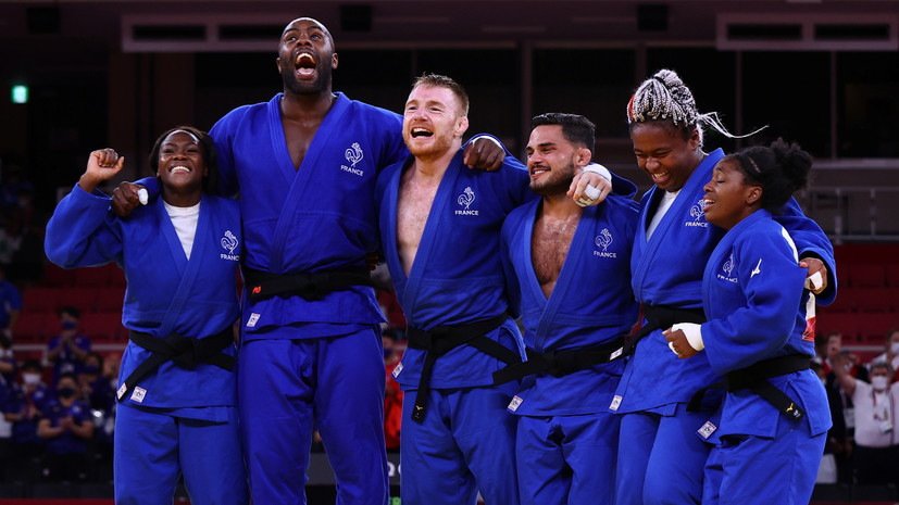 Французские дзюдоисты выиграли золото ОИ в командном турнире