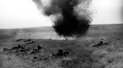 Советская пехота в бою под Киевом
