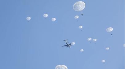 В Псковской области прошли учения с участием более 1200 военных ВДВ