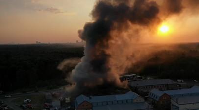 Пожарные локализовали пожар на складе в Балашихе