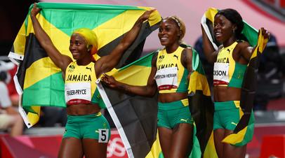 Ямайские спринтерши Элейн Томпсон, Шелли-Энн Фрейзер-Прайс и Шерика Джексон