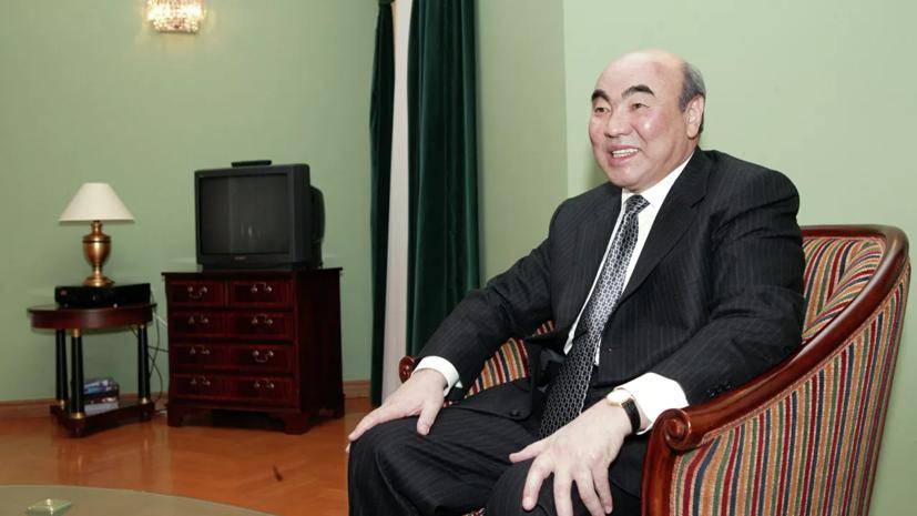 В Киргизии заявили о добровольном приезде экс-президента Акаева в Бишкек