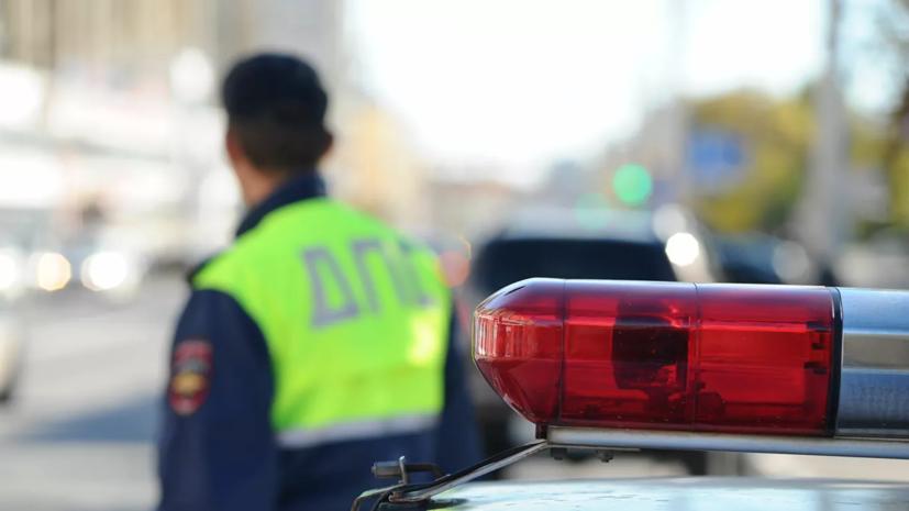 В Калининграде автомобиль Mercedes вылетел на тротуар и сбил пешехода