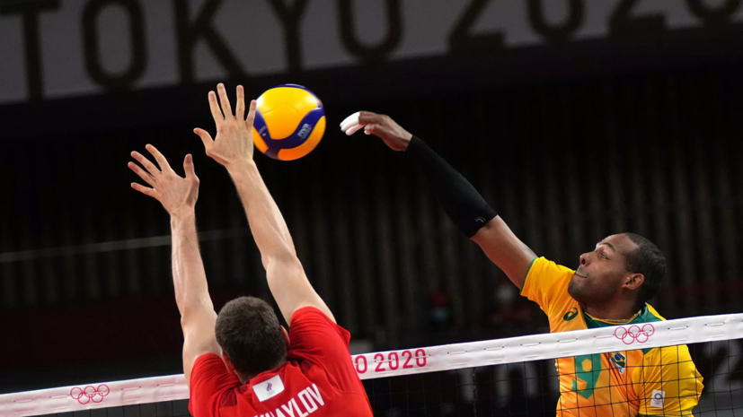 Тренер сборной России по волейболу назвал чудом победу над Бразилией в полуфинале ОИ