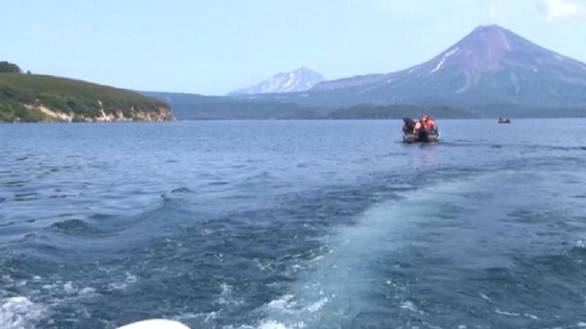 Упавший в озеро на Камчатке вертолёт найден на глубине около 110 метров