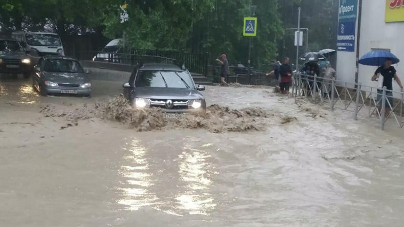 В Керчи изменили маршруты общественного транспорта из-за подтопления
