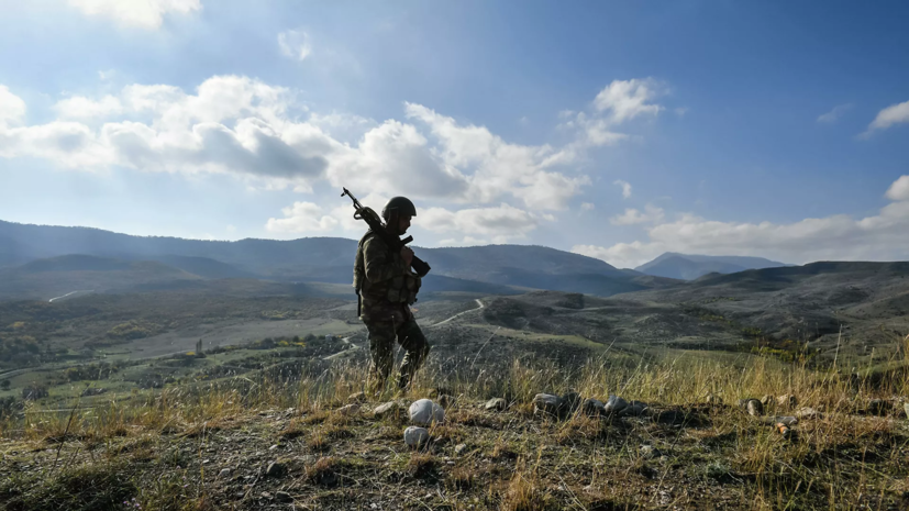 В Азербайджане опровергли сообщения о продвижении ВС страны на границе
