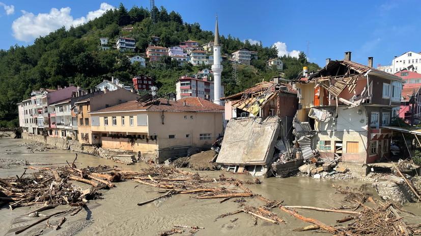 В Турции число погибших при наводнениях возросло до 77
