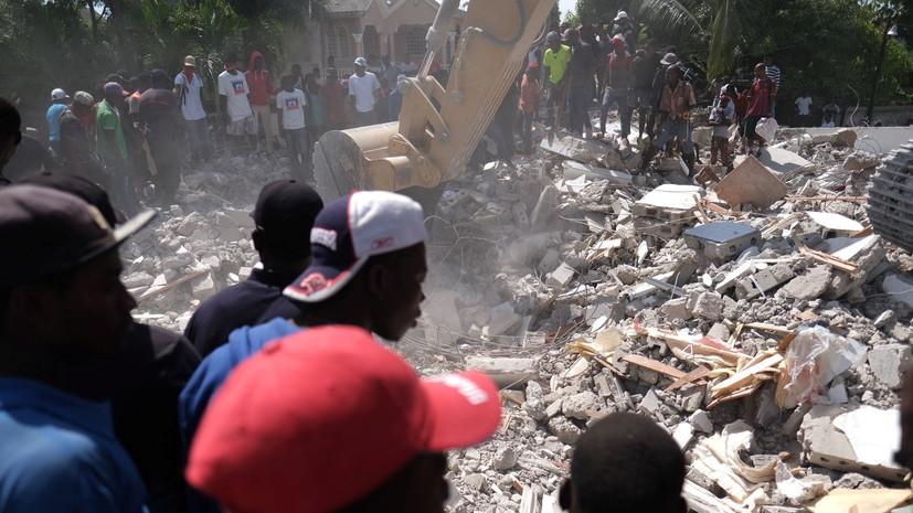 В Гаити объявили траур в память жертв землетрясения