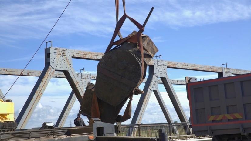 В Великом Новгороде подняли броневик времён Великой Отечественной войны со дна реки