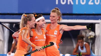 Женская сборная Нидерландов выиграла золото ОИ в хоккее на траве