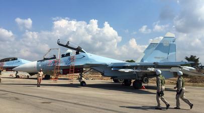 Российские лётчики готовятся к вылету с авиабазы Хмеймим в Сирии
