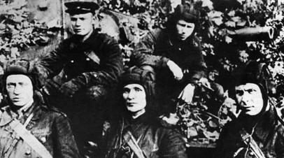 Экипаж танка КВ-1 старшего лейтенанта Зиновия Колобанова