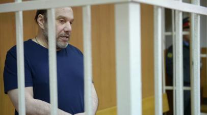 Суд продлил срок ареста бизнесмену Виктору Батурину