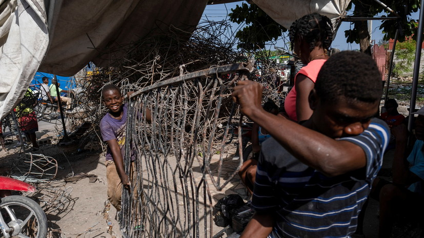 Число жертв землетрясения на Гаити возросло до 2 248