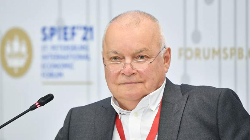 Телеведущего Дмитрия Киселёва госпитализировали с коронавирусом