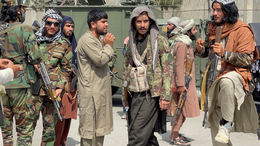 В СМИ назвали членов правительства Афганистана, находящихся под санкциями СБ ООН