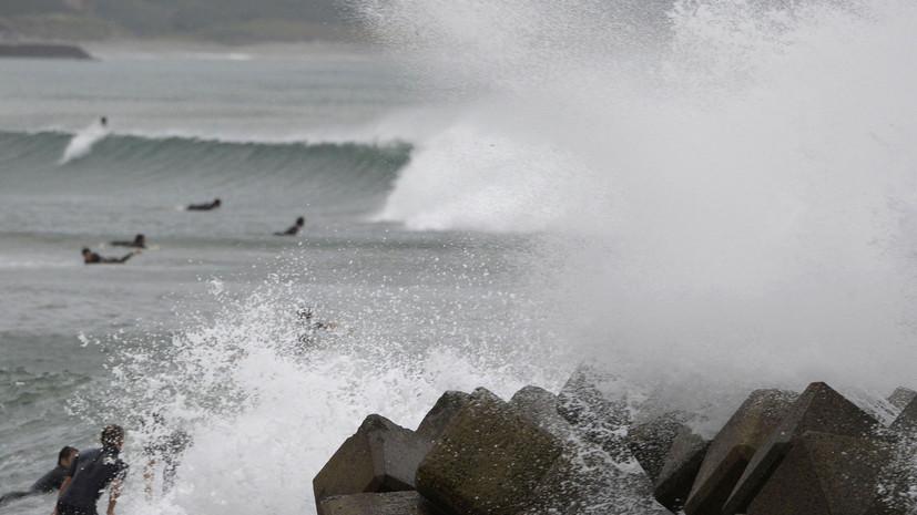 На Японию движется сильный тайфун