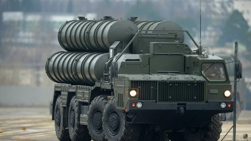 В Крыму дивизионы ЗРК С-400 «Триумф» уничтожили объекты условного противника