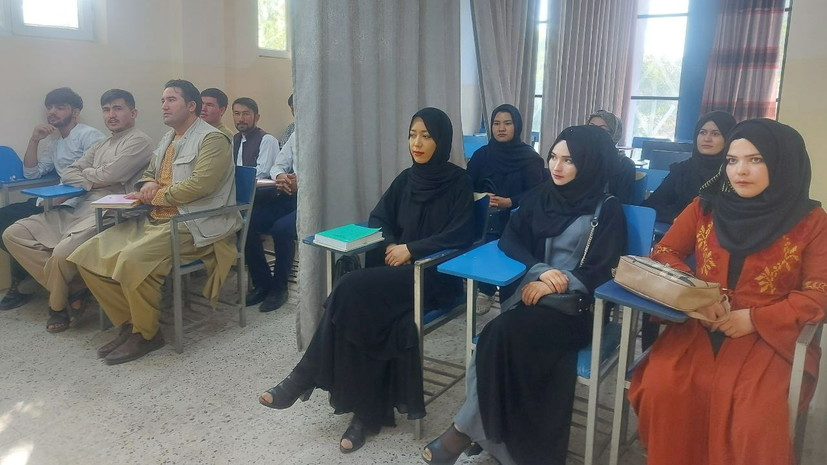 В Афганистане обсуждают возобновление обучения в университетах и изменения в образовании