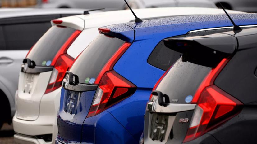 Кабмин продлил возможность ввоза праворульных машин без ГЛОНАСС до конца 2022 года