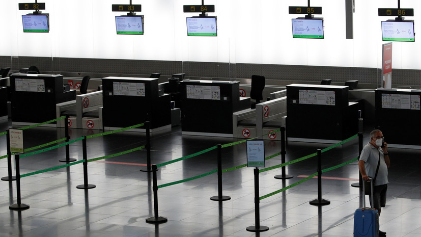 В АТОР предупредили, что туристы из России пока не смогут въехать в Испанию