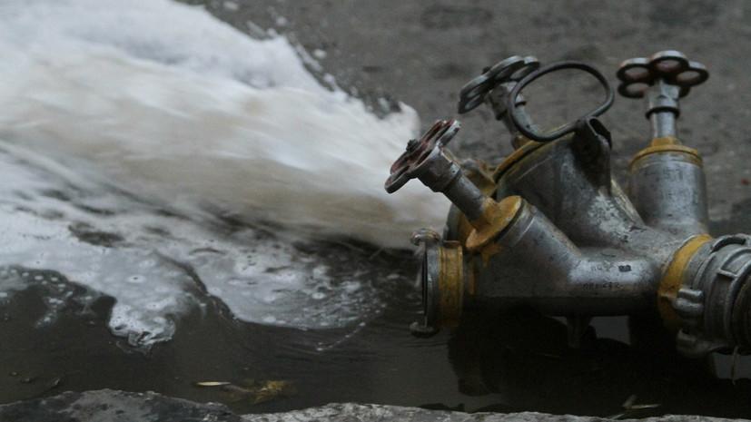 В здании техобслуживания в Саратове произошёл пожар на 800 квадратных метрах