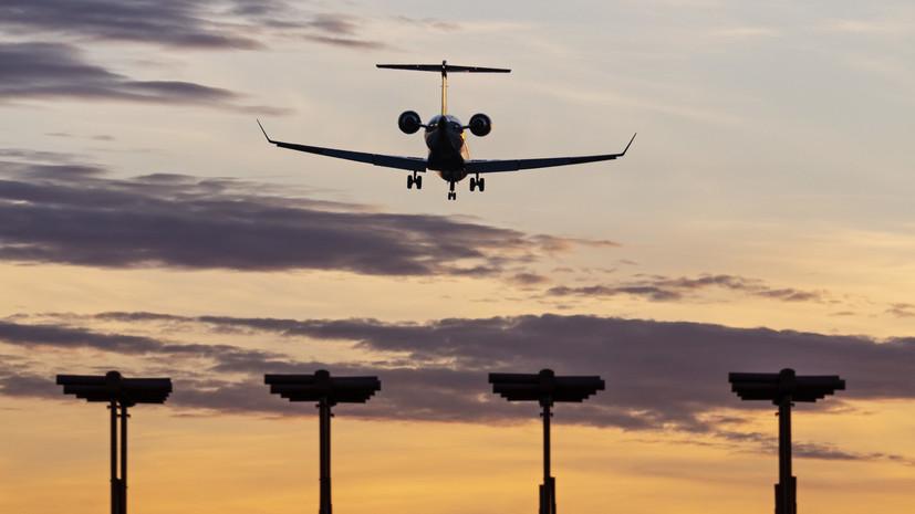 Летевший в Москву самолёт вернулся в аэропорт Йошкар-Олы из-за отказа двигателя