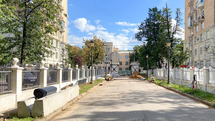 В Москве рассказали о ходе реставрации парадных ворот Александринского дворца