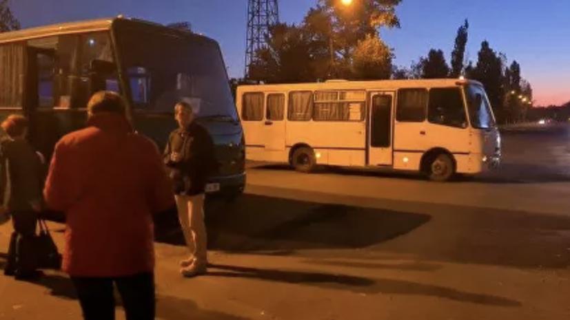 Для голосующих в России на выборах в Госдуму жителей ЛНР организовали автобусные рейсы
