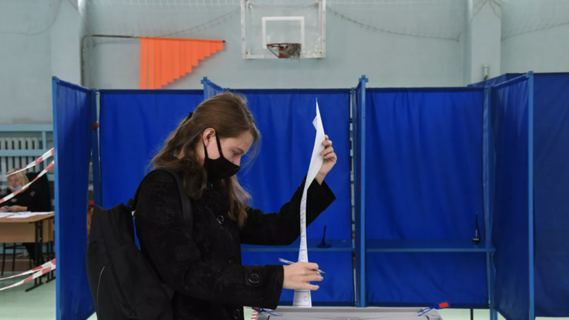 Наблюдатели из СНГ не фиксируют нарушений на выборах в Госдуму