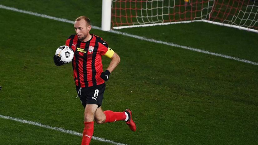 Баженов сообщил о желании Глушакова играть за «Спартак» бесплатно
