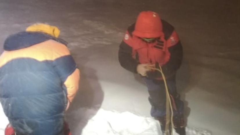 В МЧС сообщили о спасении пяти альпинистов на Эльбрусе