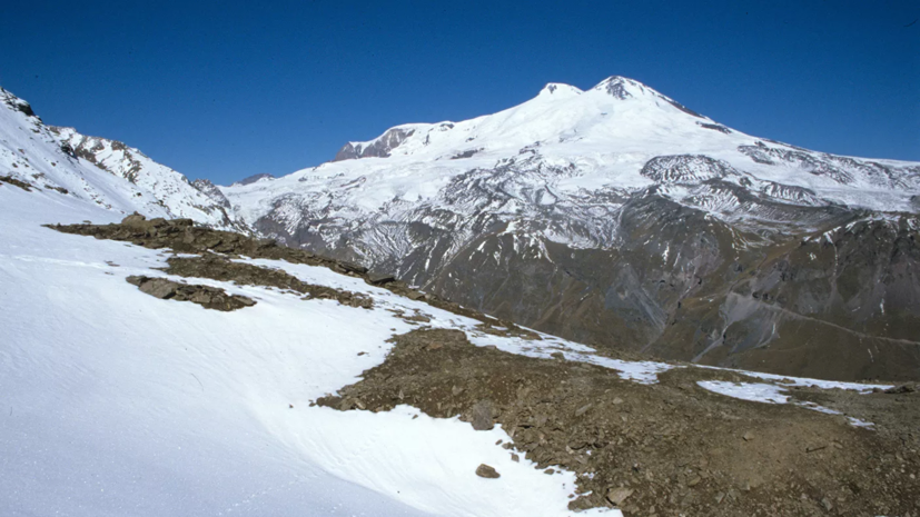 Инструктор альпинистов на Эльбрусе заявил, что имел опыт восхождения при сильном ветре