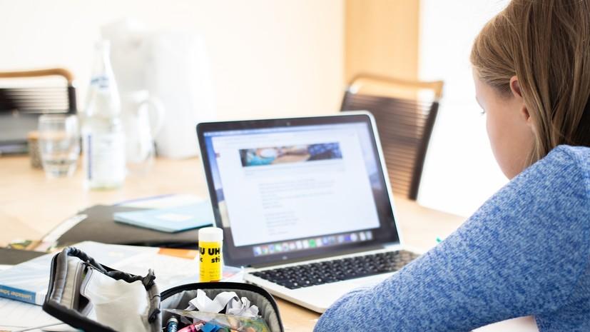 Врач-психотерапевт Файнзильберг высказался по поводу деструктивного влияния интернета на молодёжь