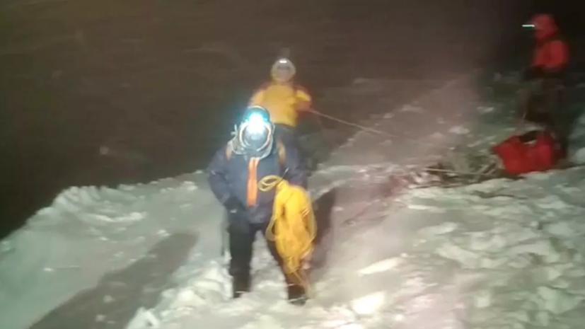 Четверо пострадавших при восхождении на Эльбрус альпинистов остаются в больнице