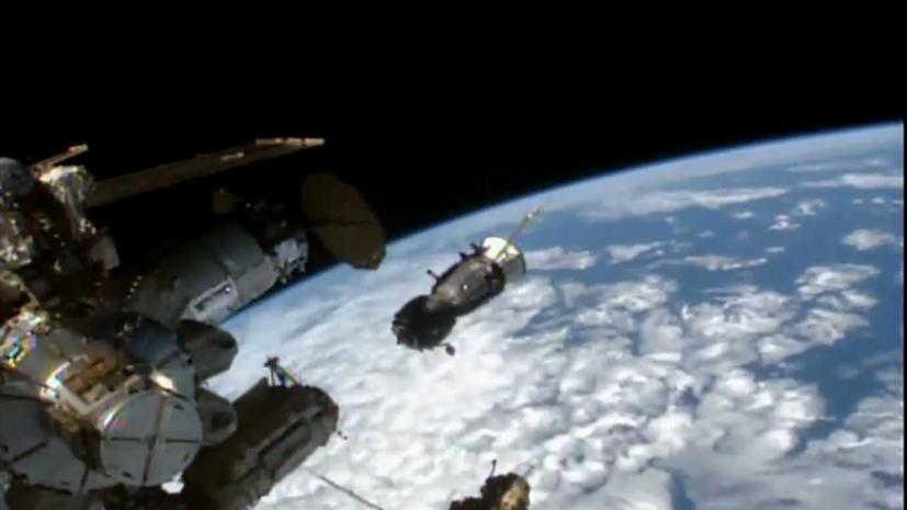 Корабль «Союз МС-18» начал стыковку с модулем «Наука»