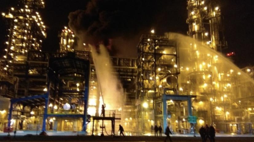 Факельное горение возникло на белорусском НПЗ «Нафтан»
