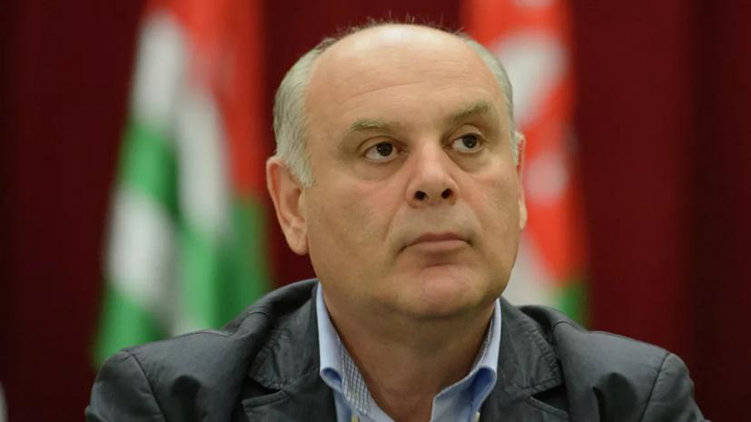 Президент Абхазии прервал рабочий визит в Москву из-за стрельбы в Сухуме
