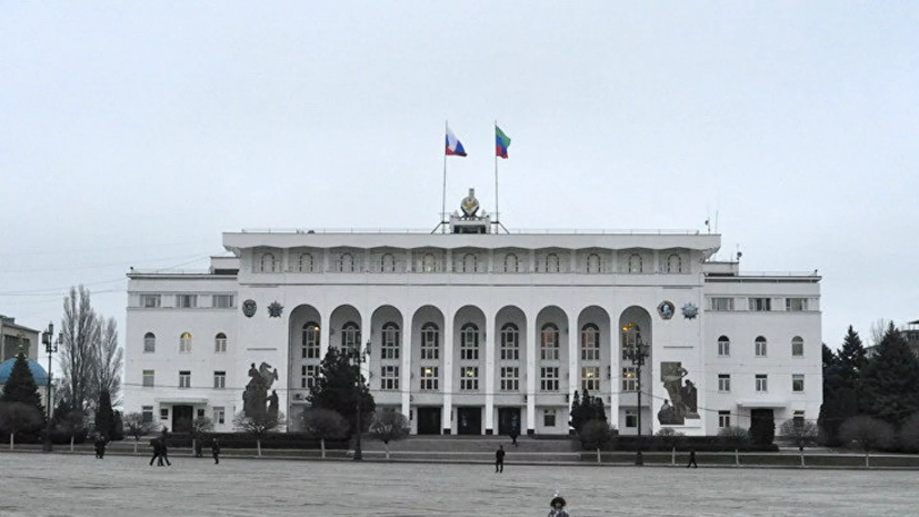 Власти Дагестана осудили инцидент с избиением пассажира в московском метро