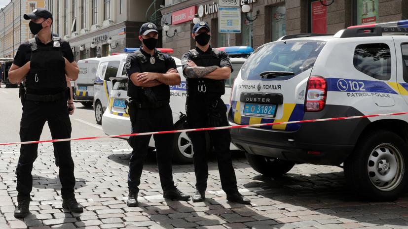 В Киеве неизвестные обстреляли пассажирский автобус