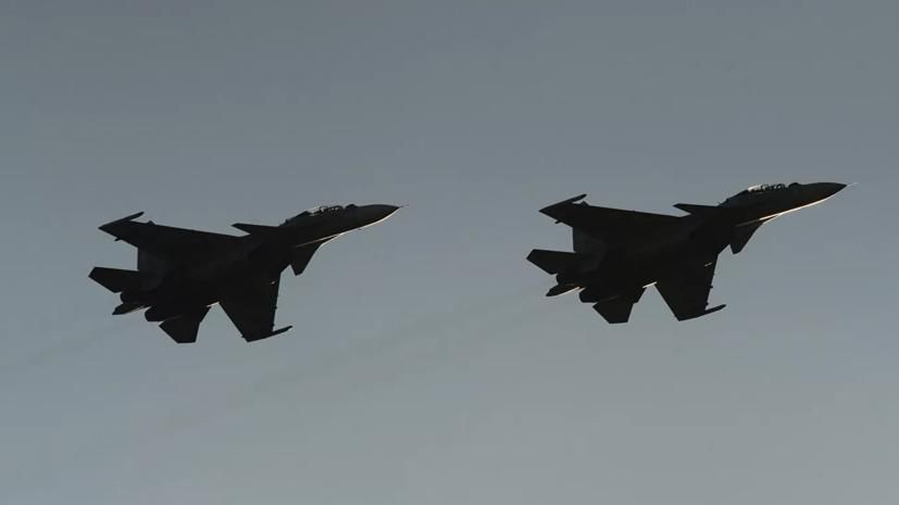 Два российских Су-30 сопроводили над Чёрным морем четыре самолёта ВВС США